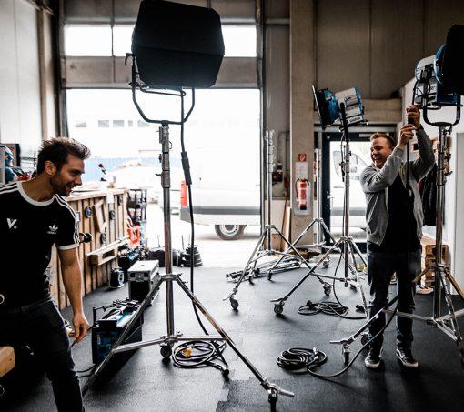 Bild zeigt Dreh-Equipment, welches für Kosten beim Imagefilm verantwortlich ist