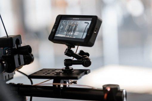 Bild zeigt Kameramonitor, welcher für Kosten eines Imagefilms beiträgt
